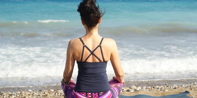 Yin-vs-Restorative-Yoga